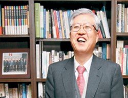 Hwacheon CEO Kwon Young ryual's 43 Years in Machine Tools